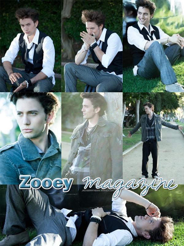 JR  Jacky pose pour le magazine Zooey, je vous laisse découvrir les superbes photos .  Attention risque d'émerveillement ! JR