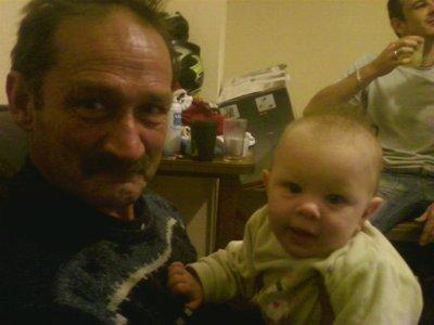 ma petite cherie avec son papy