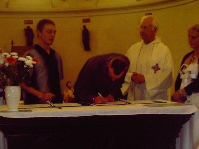 le moment des signature du papa