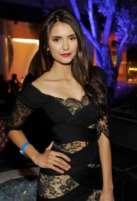 "Nina dobrev au ""enternainment weekly 5th annual comic - con party"""