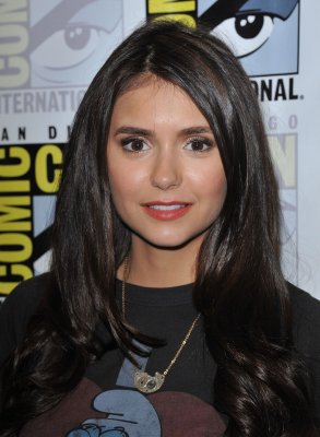 Nina at the vampire diaries press conference, comic-con day