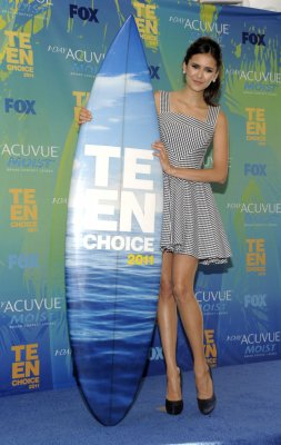 Nina dobrev au teen choice awards 2011