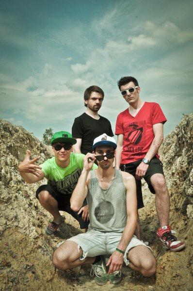 Live Mondo Bizarro (Rennes) / Its Time (live) (2011)