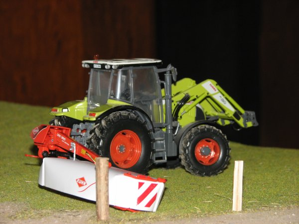 claas ares 577 atz et la kuhn gmd 3510