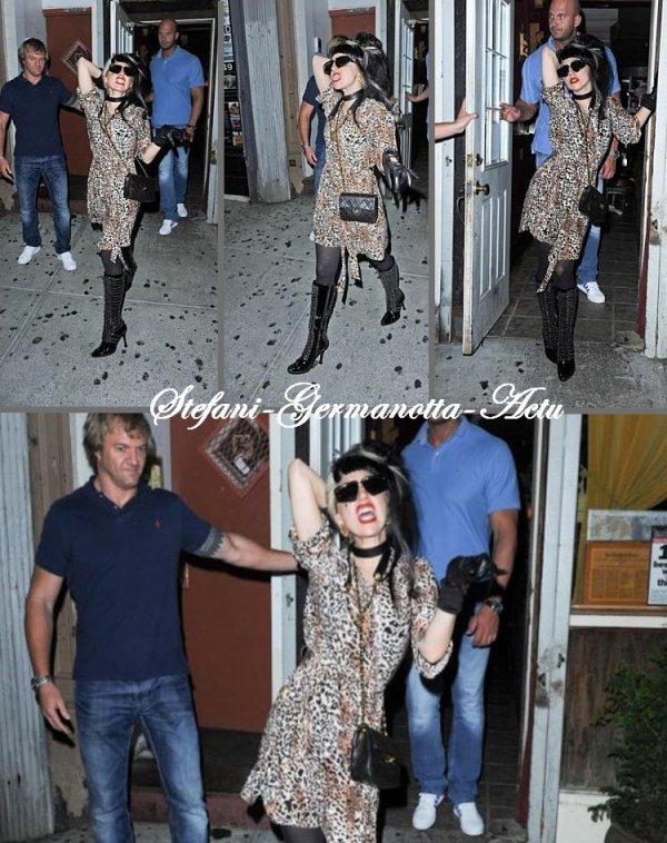 18/07/11 - Lady Gaga a été vu sortant lundi soir du restaurant Max située à New-York . TOP ou FLOP ?