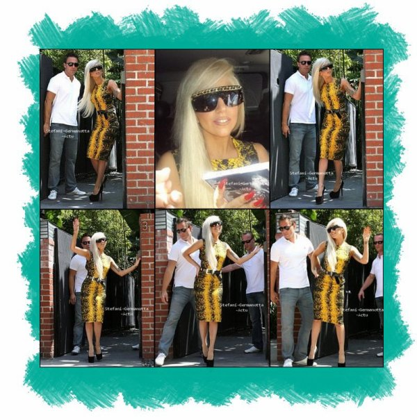 13/08/11 - Lady Gaga a été vu quittant son hôtel de Los Angeles . TOP or FLOP ?
