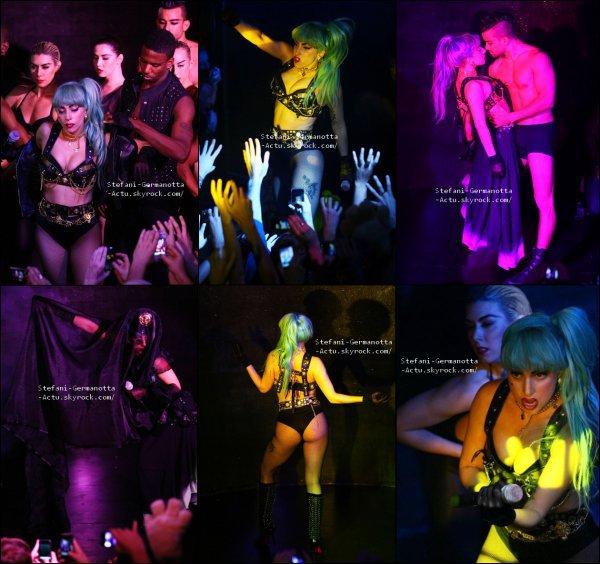 12/07/11 - [ FLASHBACK ]  Gaga à performé en Australie à Sydney au club ARQ Nightclub .