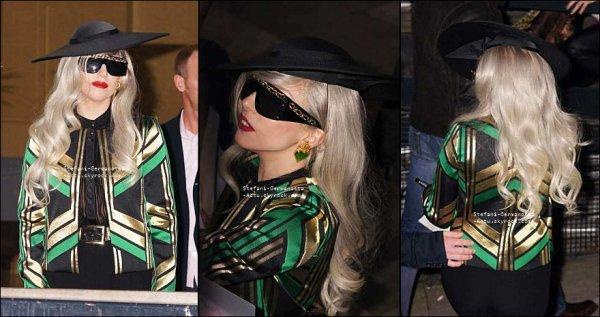 16/11/11 - Lady Gaga a été vu sortant des studios de la chaîne ITV ou elle a enregistré l'émission Chatty Man qui sera diffusée le 20 Novembre prochain . Top ou Flop ?