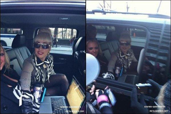 . ● 30/12/11  - Lady Gaga a été vu dans les rues de N-Y .  Côté tenue , Je trouve que Gaga est au top pour ma part . Top ou Flop ? .