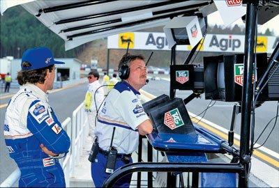 AYRTON SENNA DANS F1 RACING ET A LA TV