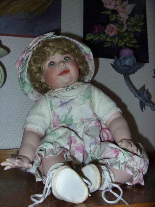 Mes poupées diverses (enfin pour l'instant une lol)