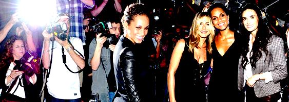 """Alicia Keys : Ravissante, comme à son habitude, elle était à l'avant première de """"Five"""", film où elle joue le rôle d'une femme atteinte d'un cancer du sein . Elle est arrivée au côté de son homme, Swizz Beatz !"""
