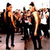 Candid : De passage à Paris pour la Fashion Week qui s'y tient en ce moment, Ciara a été assailie par les photographes à sa sortis du défilé de Barbara Bui !