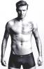"""David Beckham : Il pose pour H&M ! Sa collection """"David Beckham Bodywear"""" sera disponible dès le mois de février à partir de 9,95 euros."""