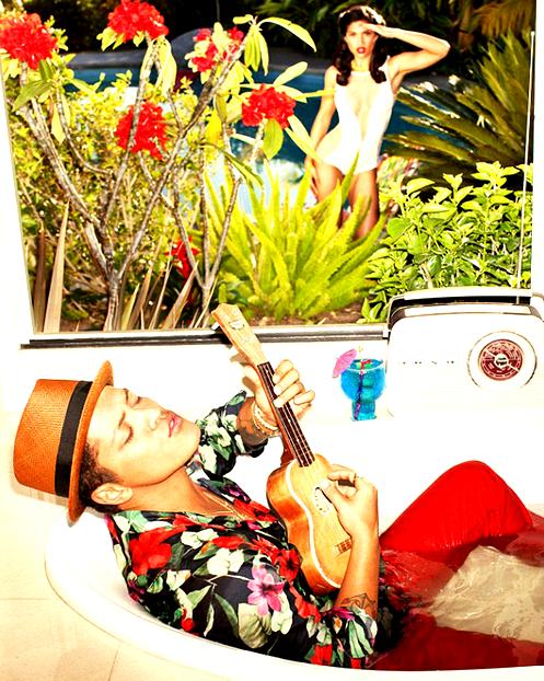 Bruno Mars : Il entre dans l'histoire en étant le 10ème homme à faire la couverture du célèbre magazine Playboy !