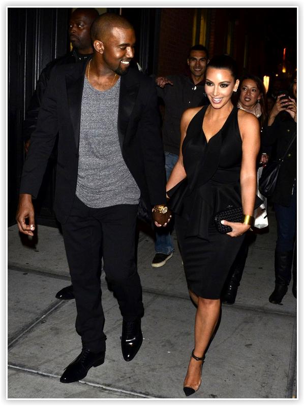 Kanye West & Kim Kardashian : Le nouveau couple star s'est fait photographié se tenant la main et tout sourire à la sortie du restaurant Ryu à New York ! Ils officialisent en quelque sorte leur relation .
