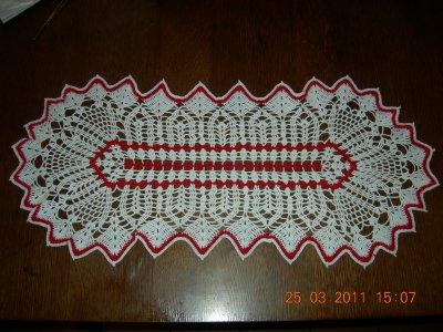 blanc et rouge dimension 64 cm sur 27 cm