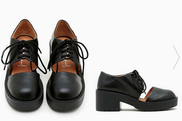 Mon premier achat Nasty Gal : Des chaussures Jeffrey Campbell.