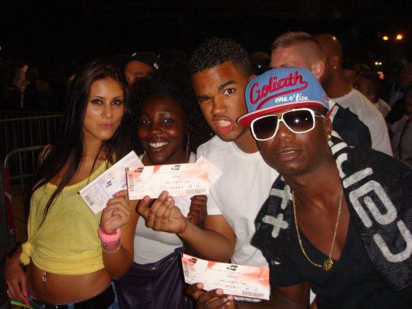 Booba-Lunatic tour- bercy 2011 Avec DJ Battle...........................