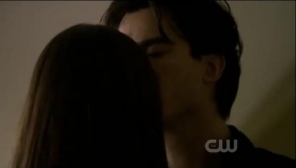Damon & Elena Kisss Saison 2 épisode 8