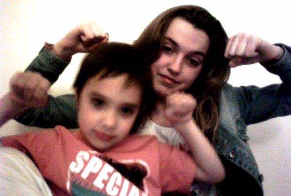 Jules et moi!! <3 on forme un boo couple de frere-soeur jtrouve!! je t'aime mon bébé!! <3