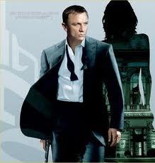 Et... Bond!!! (enfin, l'acteur...)