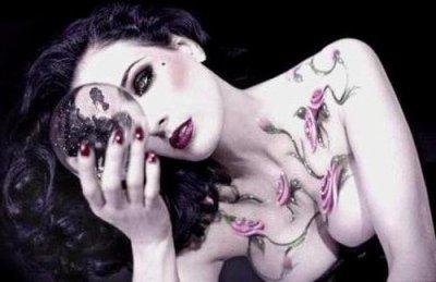 lJe me suis trOmpé d'épOque...  l But are only seduction and divine poison...l