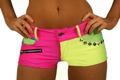 TRés BEAUX SHORT COLORé DE LMFAOo !!! I LIKE  IT  !*******