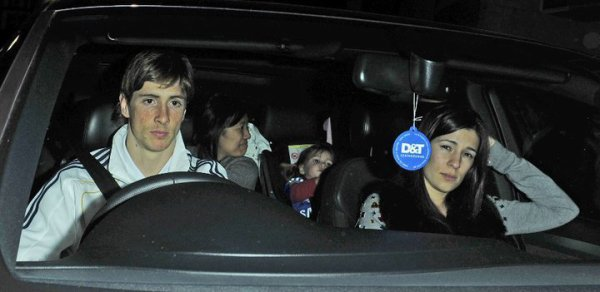 Happy birthday Fernando Torres ! + Fernando et Olalla en voiture après le match du 20 mars