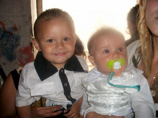 mon petit fils lorenzo et son frere joseph