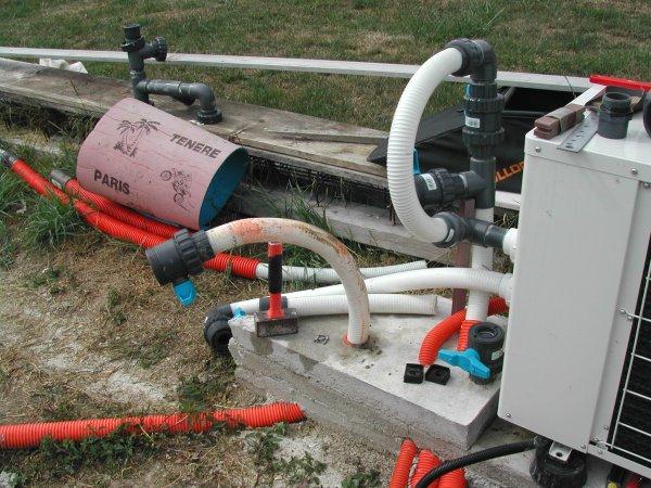 Colmater fuite tuyau pvc fuite sur tuyau d 39 eau pvc for Circuit filtration piscine