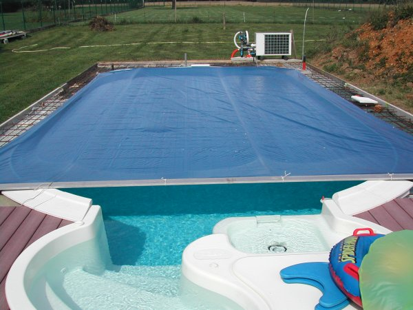 B che piscine ma piscine waterair sa construction de a z for Bache a barre piscine motorise