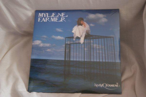 VENTE DE LA COLLECTIONS DE MYLENE FARMER   /SUITE 1