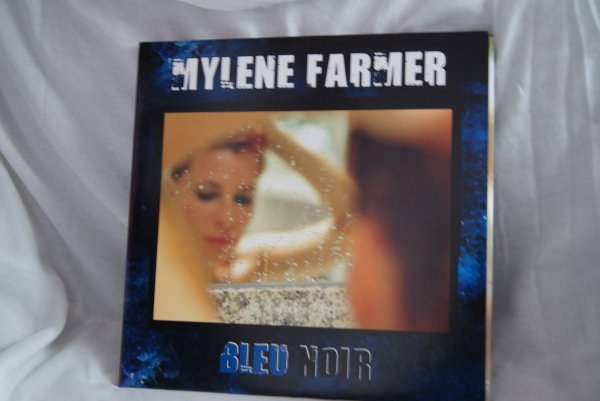 VENTE DE LA COLLECTIONS DE MYLENE FARMER   /SUITE 2