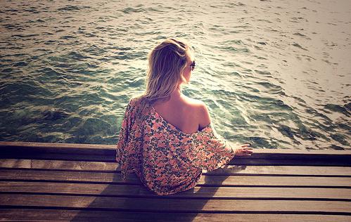 Mieux vaut être indifférente et digne que malheureuse et pathétique