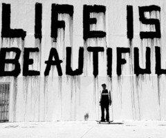 """ On a tous la même vie, il n'y a que le décor qui change. """