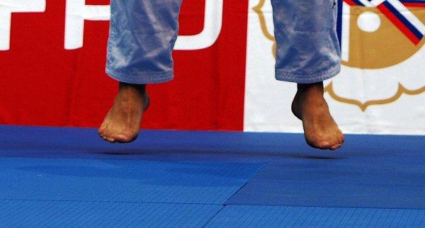 PUB... Pour notre ami Stéphane H. masseur pour pieds masculins... Parce qu'on le vaut bien...aussi !