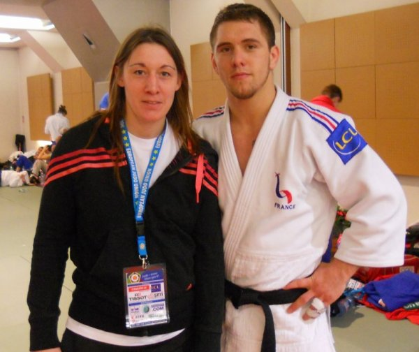 Zapping... Premier combat Judo de Loïc Pietri actuel Champion du monde Judo -81 kg...
