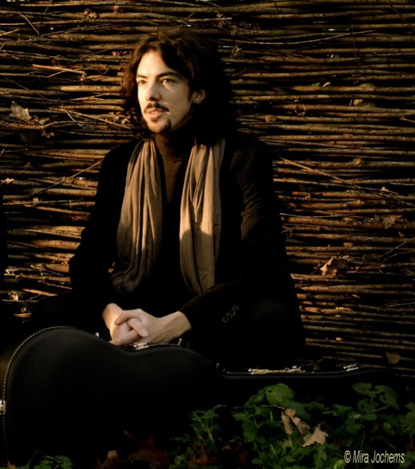 Invitation à un récital solo de notre ami le Judoka guitariste Adrien Brogna à Eugies...