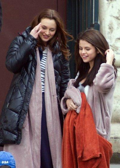 La comédienne et chanteuse Selena Gomez est pressentie à tenir un rôle dans une autre version de Sex and The City grace a leighton meester