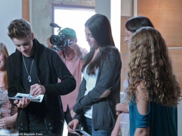EN CONSTRUCTION ...                                                     --                                                   Justin Bieber à récemment fait un photoshoot, avant de couper ces cheveux, pour un magazine (nom inconnu pour le moment).                                                          TheLegendMistletoe , Wedmiss super sympa !