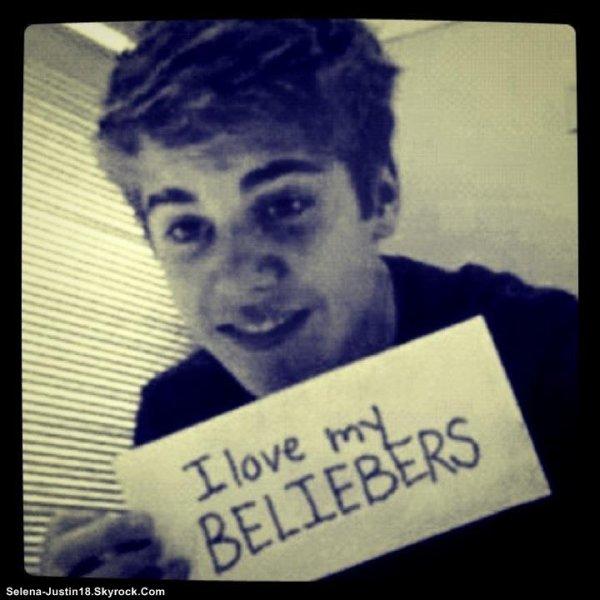 """JUSTIN.B INSTRAGRAM                                                   --                                                  Justin Bieber a poster un photo sur instragram puis la suprimer sauf que les """" Beliebers """" l'on pris , Clin d'oeil pour ce que Justin a écrit ;) ( Unleash the beast : Lachez la bête )."""
