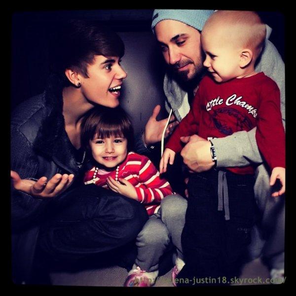 instagram                                                                     Justin a posté plusieurs photos sur instagram voici quelque une.