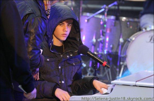Samedi 31 janvier                                                                        Justin était au  répétition pour New Year Eve NYC 2012.