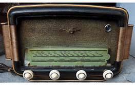 il était joli ses vieux postes de radio