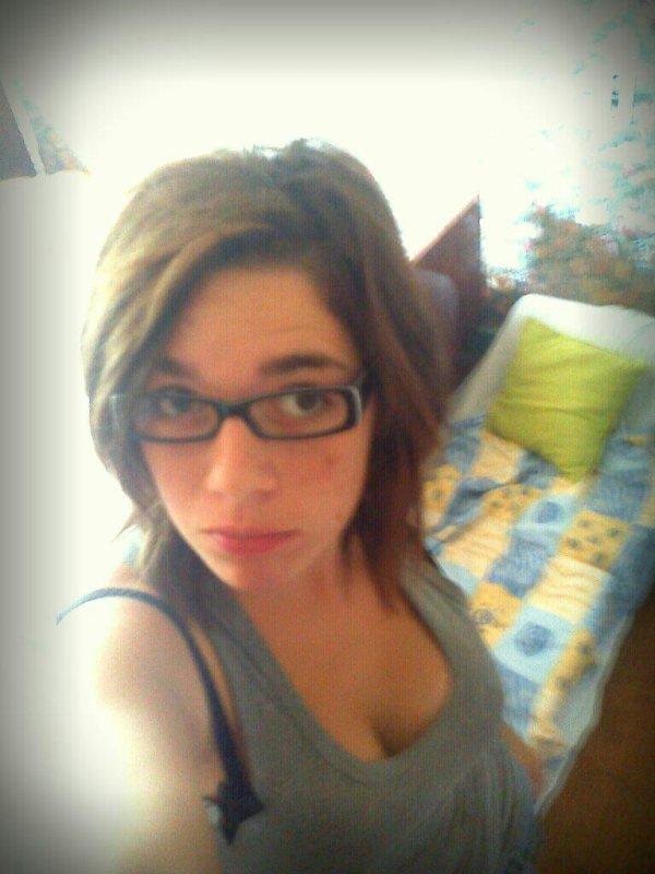 Personne n'est parfait, alors pour ce qui me critique je l'ai emmerde :)