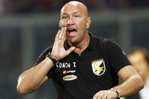 Zenga, entraîneur d'Al Jazira