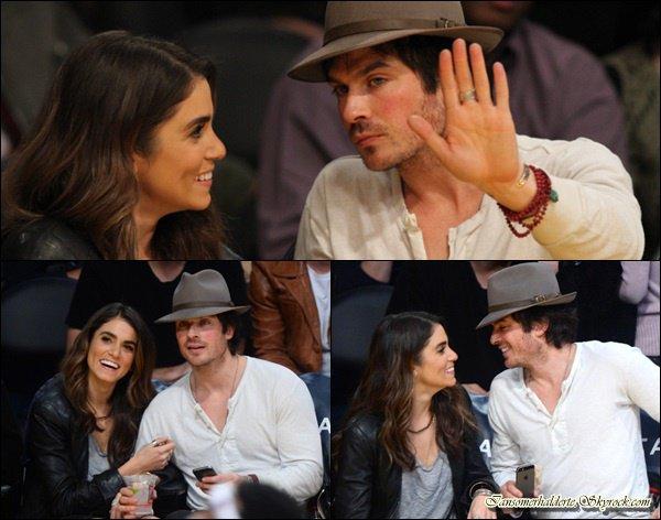Nikki et Ian sont allés au match des Lakers à Los Angeles ce 29 décembre.