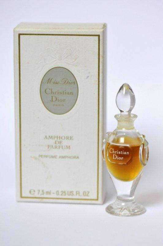Amphore Miss DIOR parfum 7.5ml et son coffret, 130¤