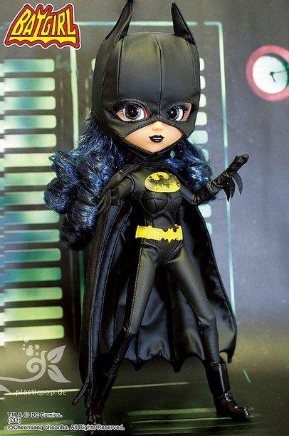 La 132e & 133e pullip : Catwoman & batgirl (Edition Japonaise)